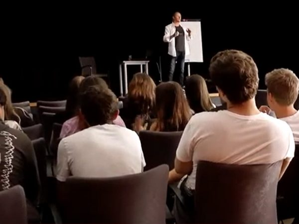 Wykład nt. narkotyków i dopalaczy – video